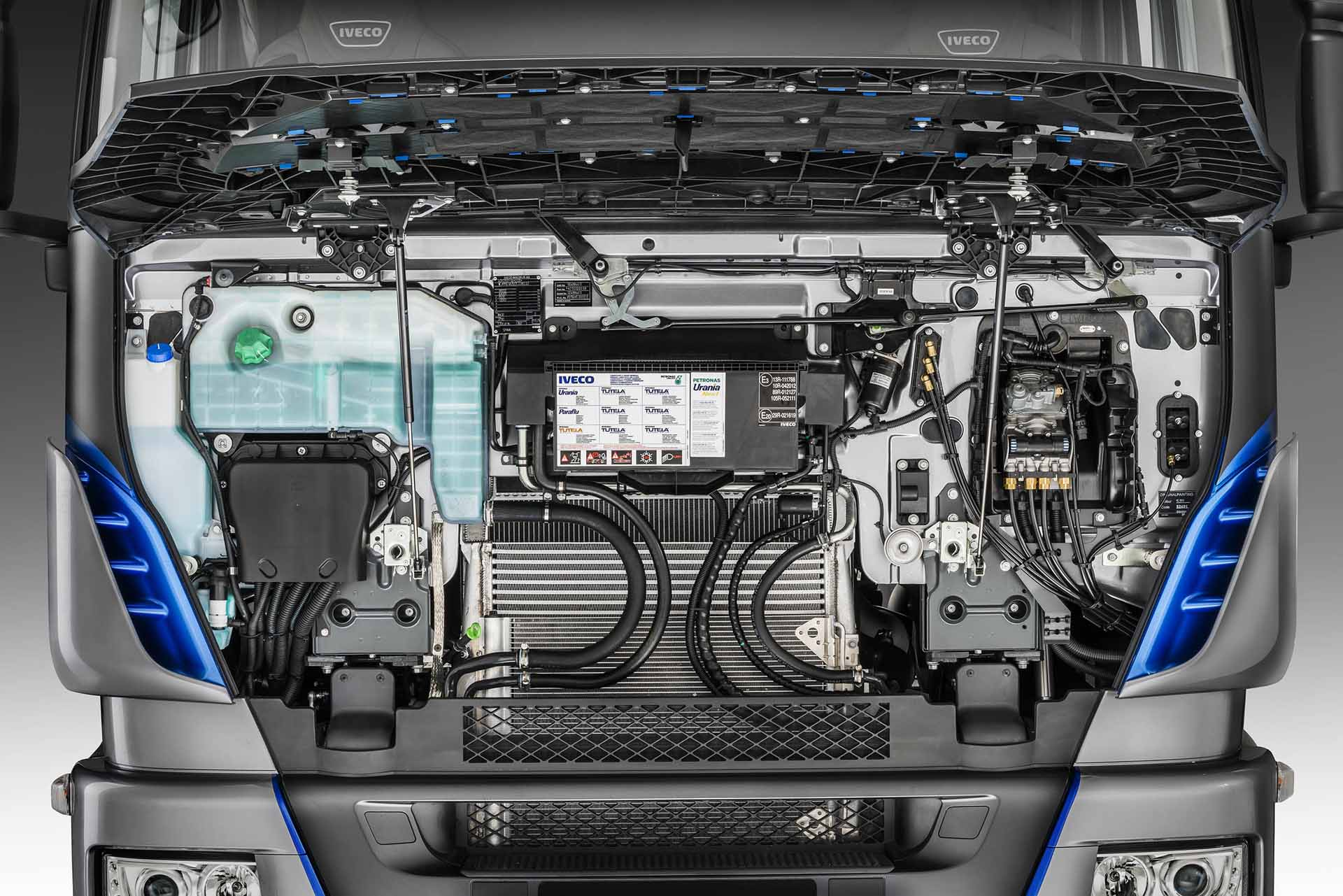 iveco-new-stralis-xp-engine_27852925075_o
