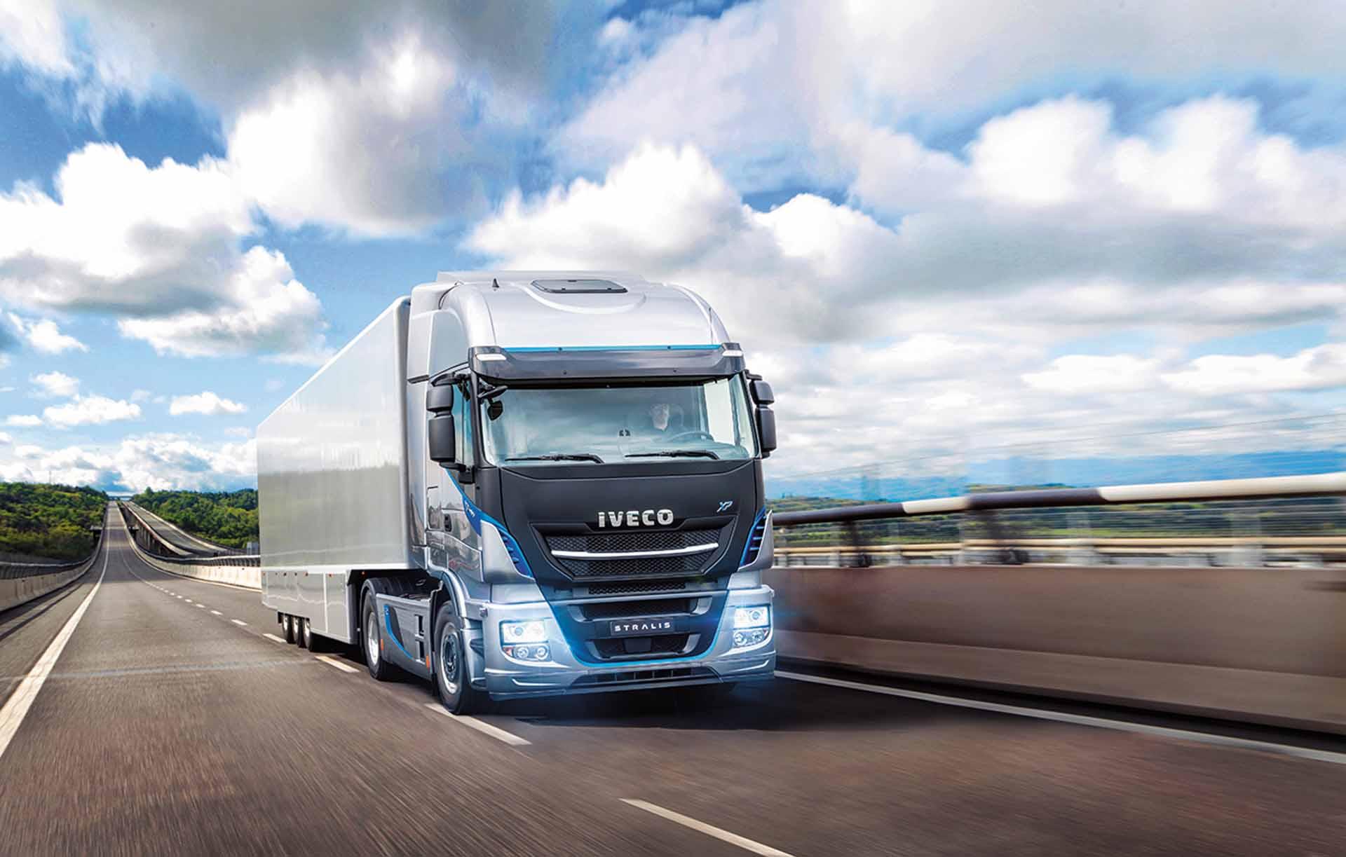 iveco-new-stralis-xp-long-haul_27852925755_o