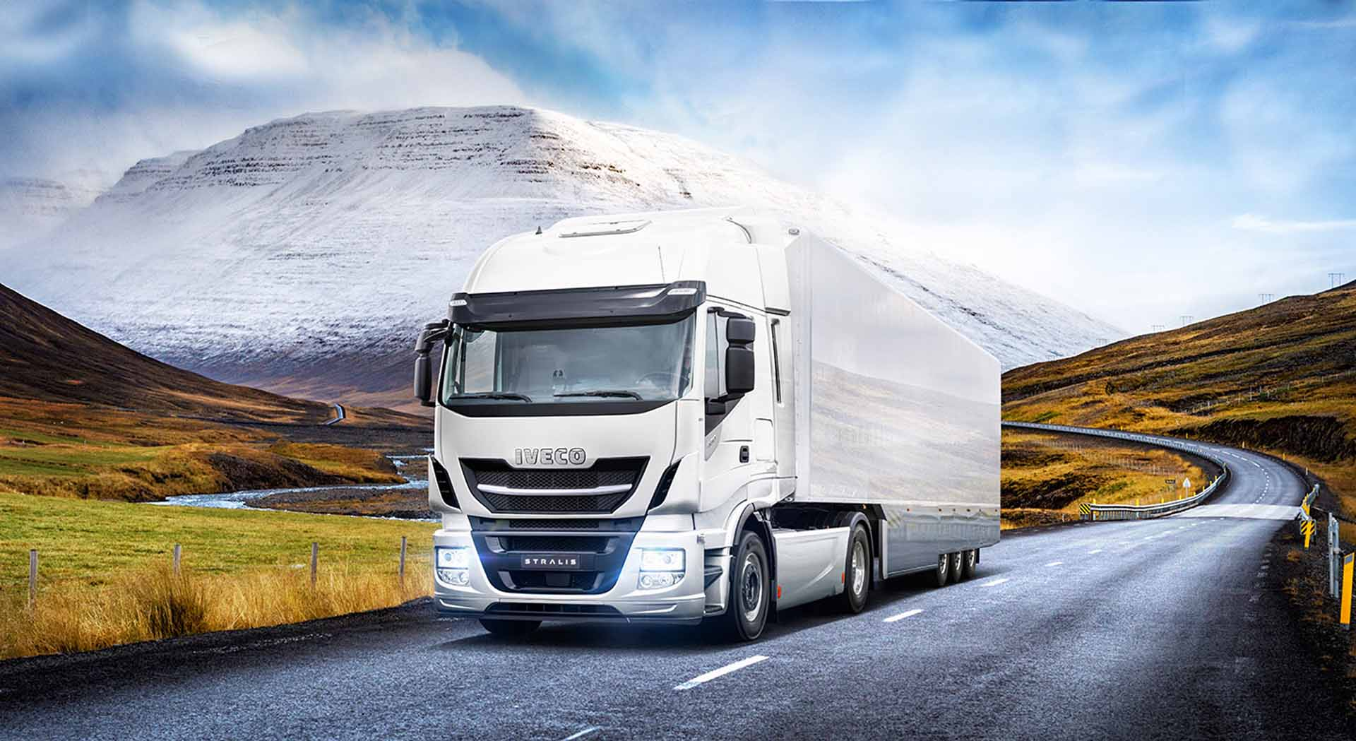 iveco-new-stralis-xp-white_27818426476_o