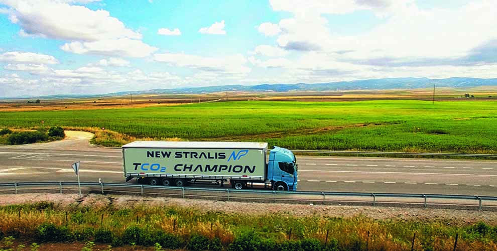 New-stralis-np-gas-truck-05