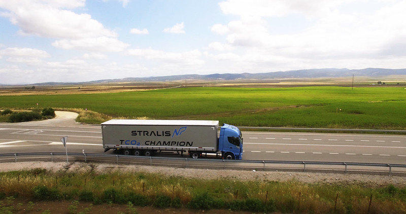 new-stralis-np-gas-truck-gallery-11